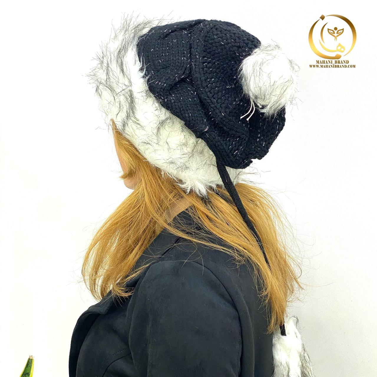 کلاه بافت منگوله دار